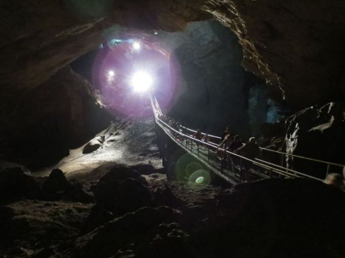 Новоафонская пещера, как в шахте
